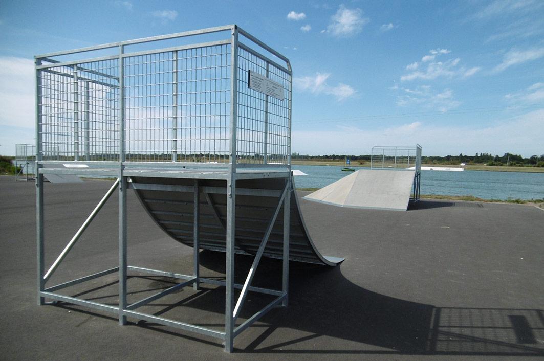 Skatepark sport nature for Longueur terrain de tennis