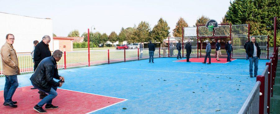 Espace proposant la pratique du Hand, foot, volley, basket....